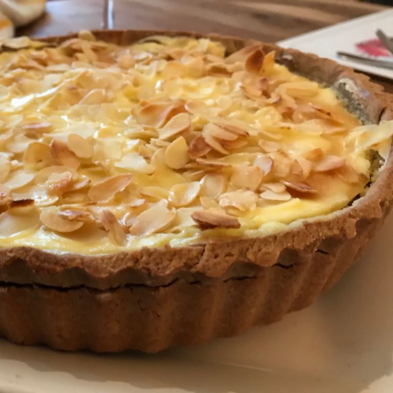 Curd cake with toasted almonds